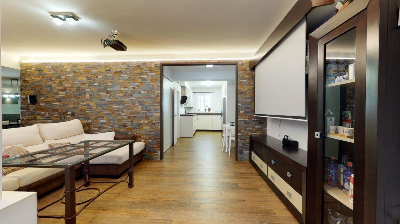 En venta luminoso piso con terraza en pleno centro de cÓrdoba capital - imagenInmueble0