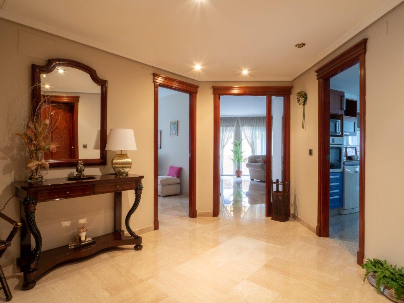 Fantastica vivienda de 5 dormitorios en gran capitan - imagenInmueble0