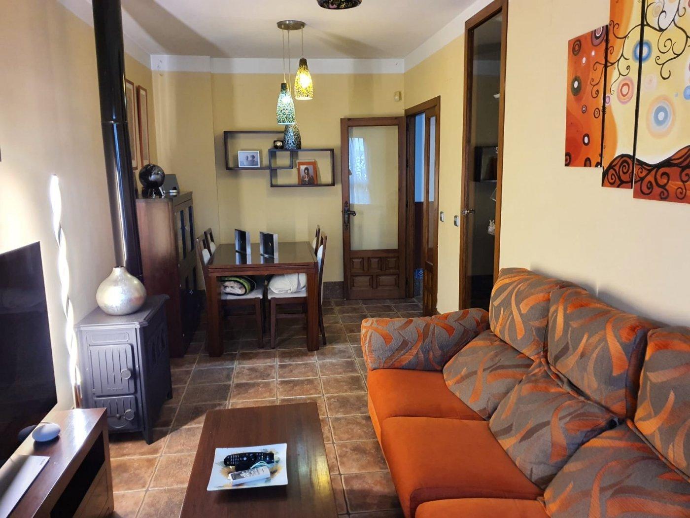 Casa preciosa 4 dormitorios en campo de la verdad zona baja - imagenInmueble0