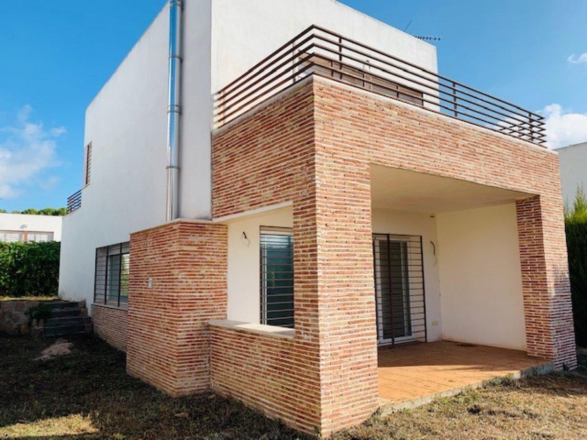 casa-con-terreno en cordoba · las-jaras---assuan 159000€