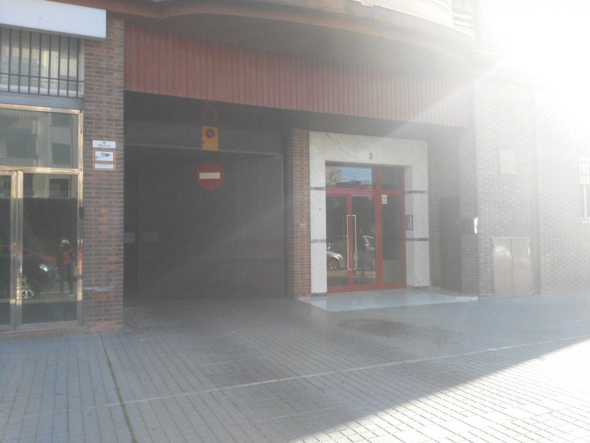 Se vende cochera en edificio parque sierra  ii - imagenInmueble0