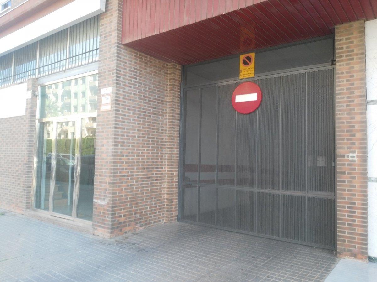 Se vende cochera en edificio parque sierra  ii - imagenInmueble1
