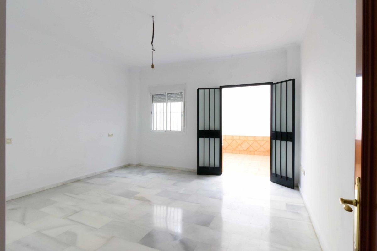 Flat for sale in Cerro del Águila, Sevilla