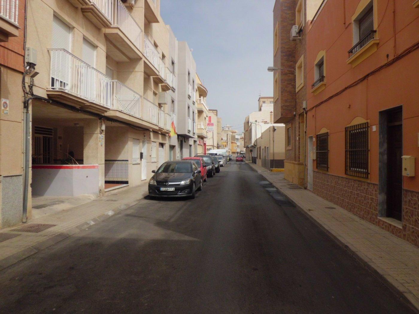 Casa con terreno en Balerma