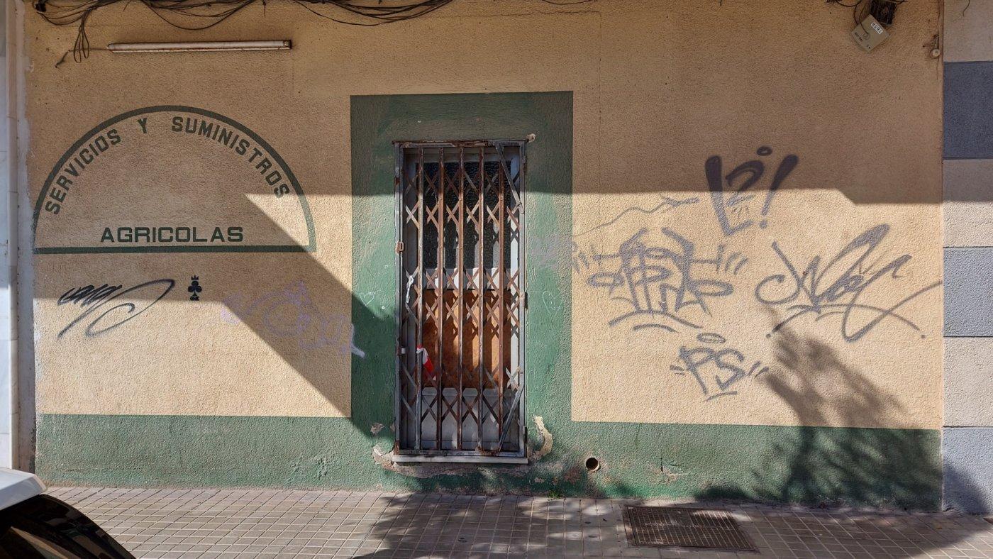 Local comercial en El Ejido - Santo domingo