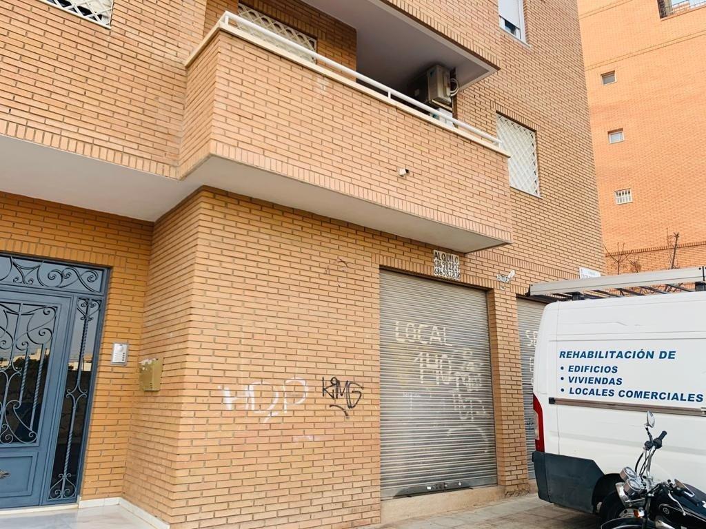 Local comercial en Almeria - Almeria