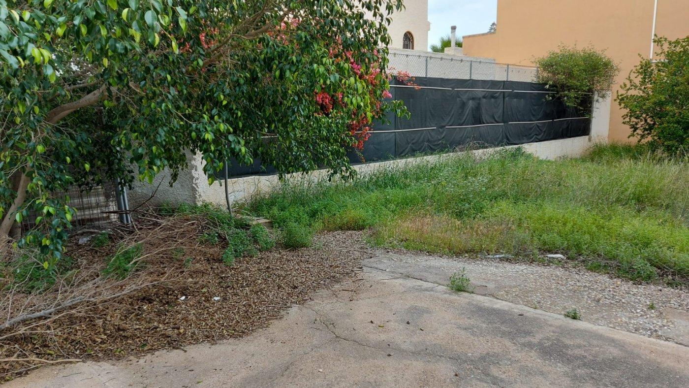Casa con terreno en Almeria