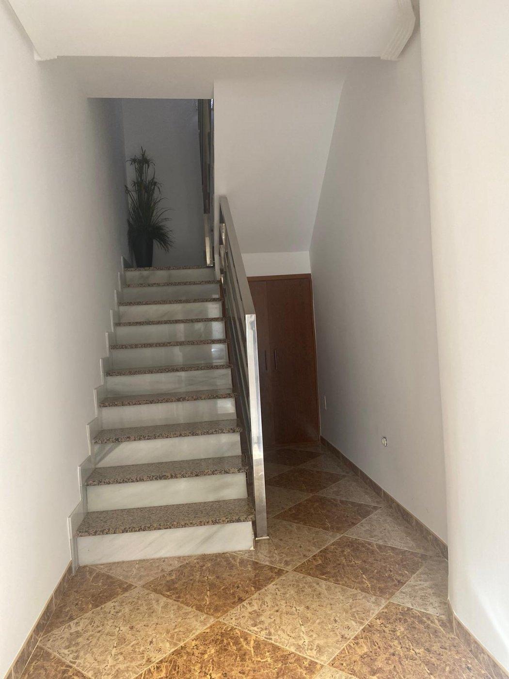 Vivienda sobre almacén en El Ejido - Santa María del Águila