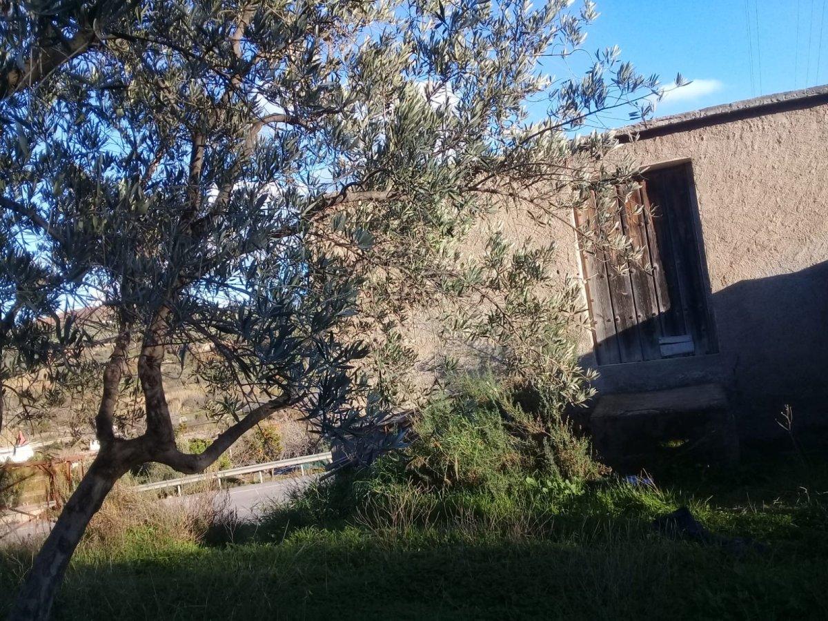 Casa con terreno en Ugijar