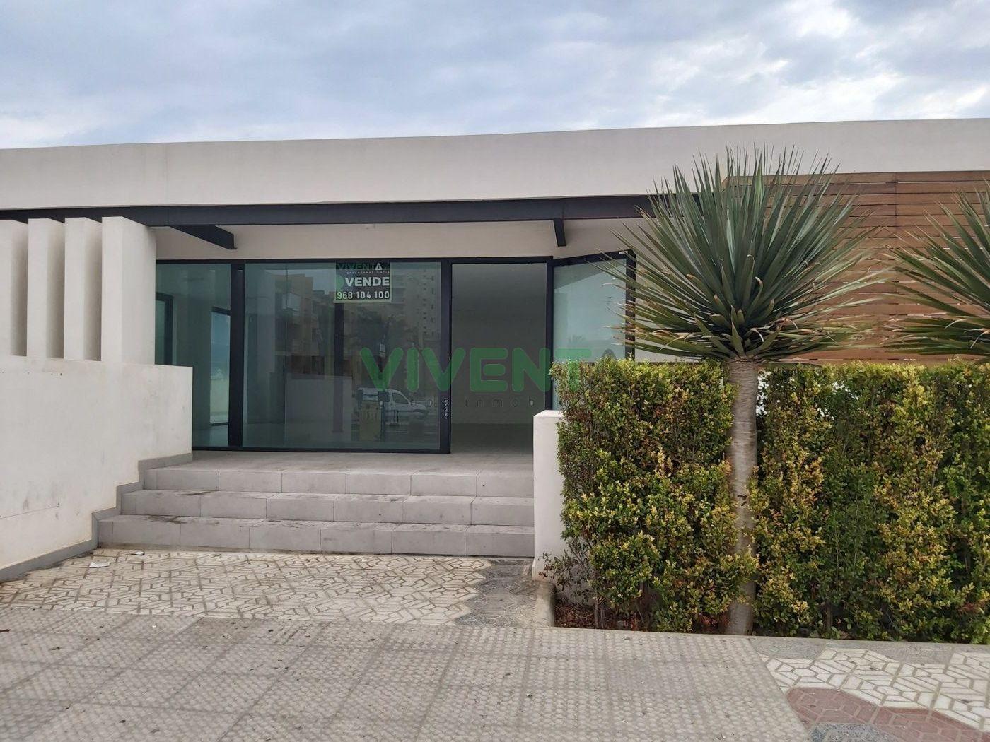 local-comercial en la-manga-del-mar-menor · las-sirenas 350000€