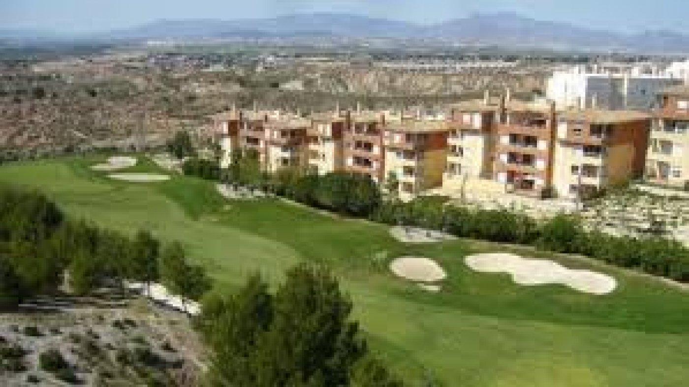 piso en altorreal · campo-de-golf 109000€