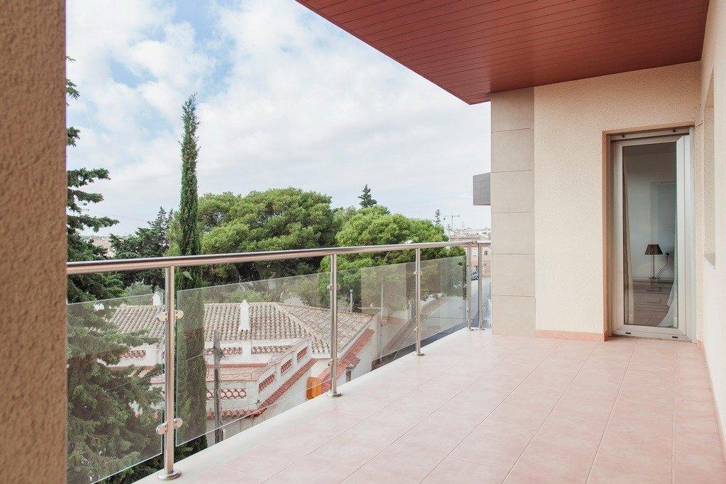 Apartamento 4 dormitorios, 2 baños, patio, terraza en San Pedro del Pinatar