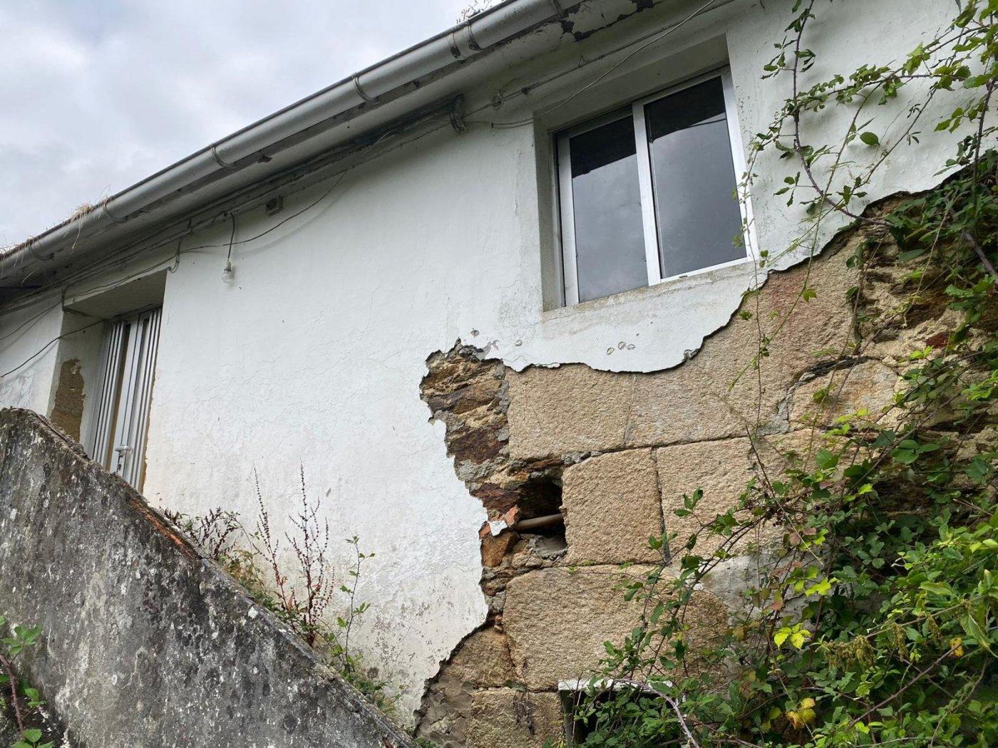 casa-con-terreno en naron · naron 41500€