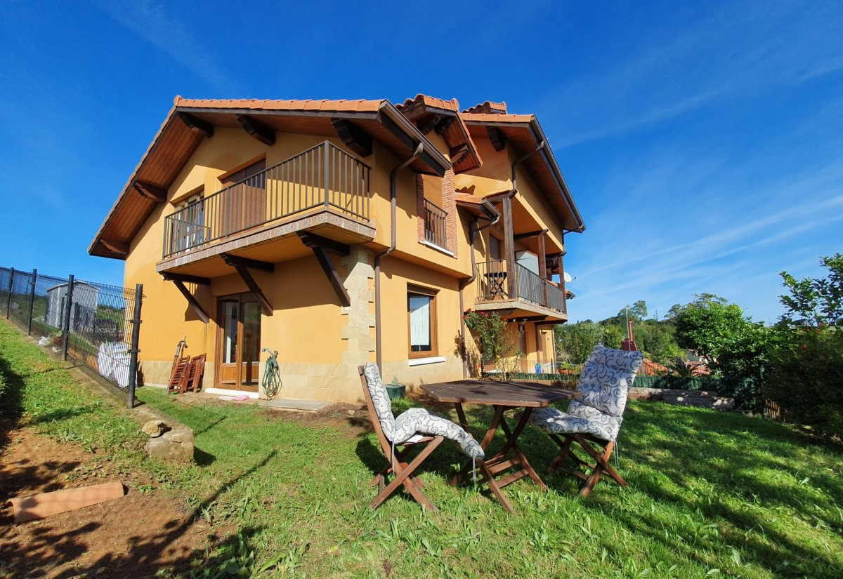 Adosado en venta en Alfoz de Lloredo  de 2 Habitaciones, 1 Baño y 75 m2 por 149.000 €.