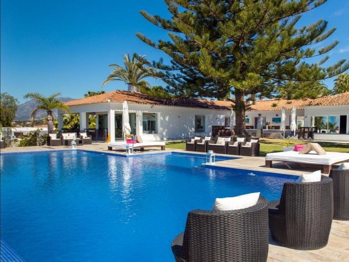 Villa for rent in Elviria, Marbella
