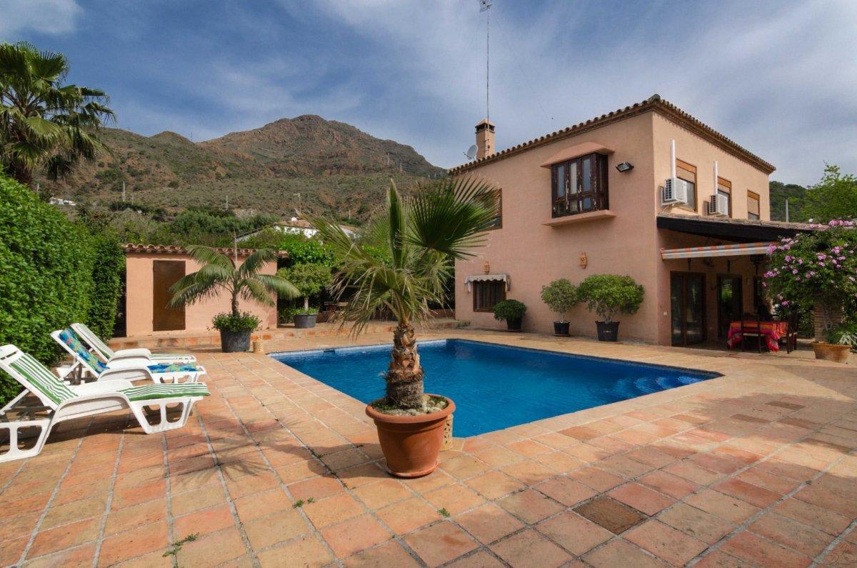 villa en estepona · pedregales 750000€