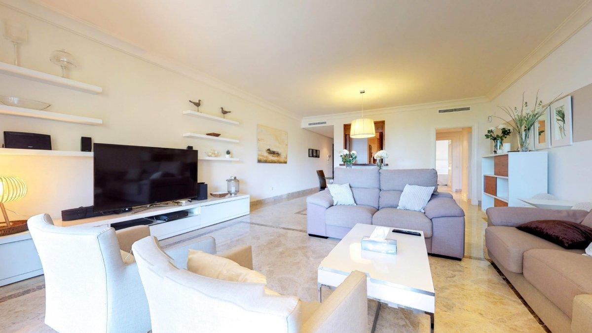 apartamento en marbella · nueva-andalucia 765000€