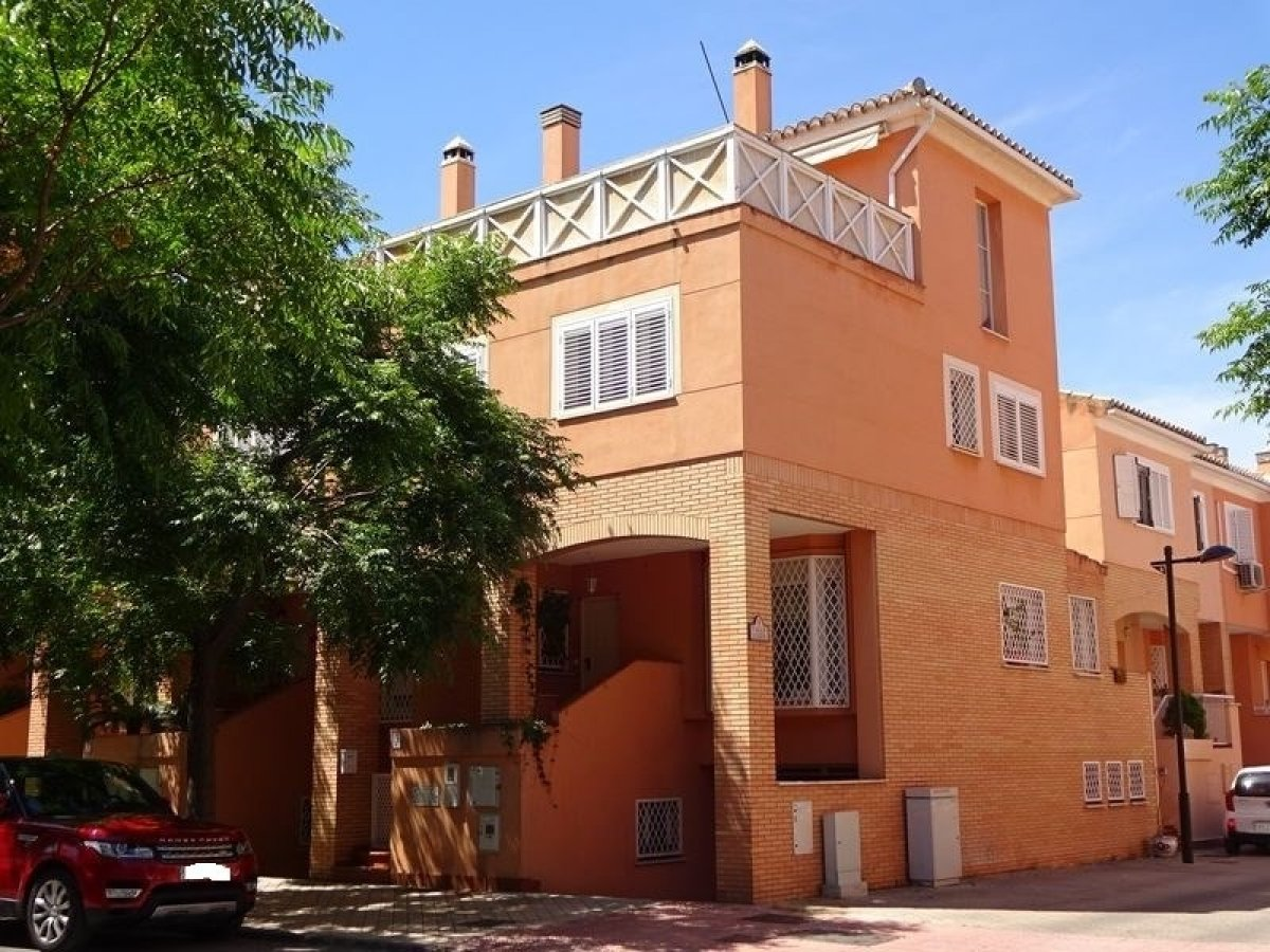 Townhouse for sale in Nevada, Armilla
