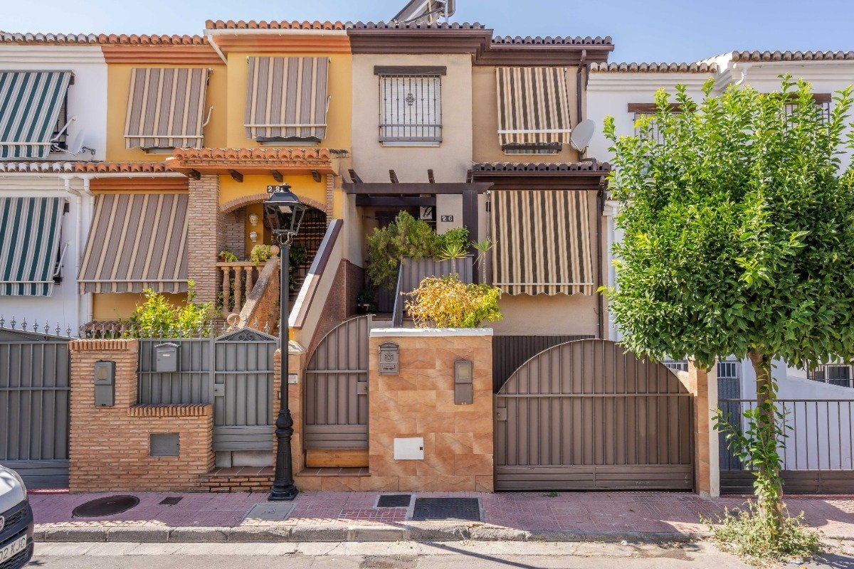Townhouse for sale in Churriana de la Vega, Churriana de la Vega