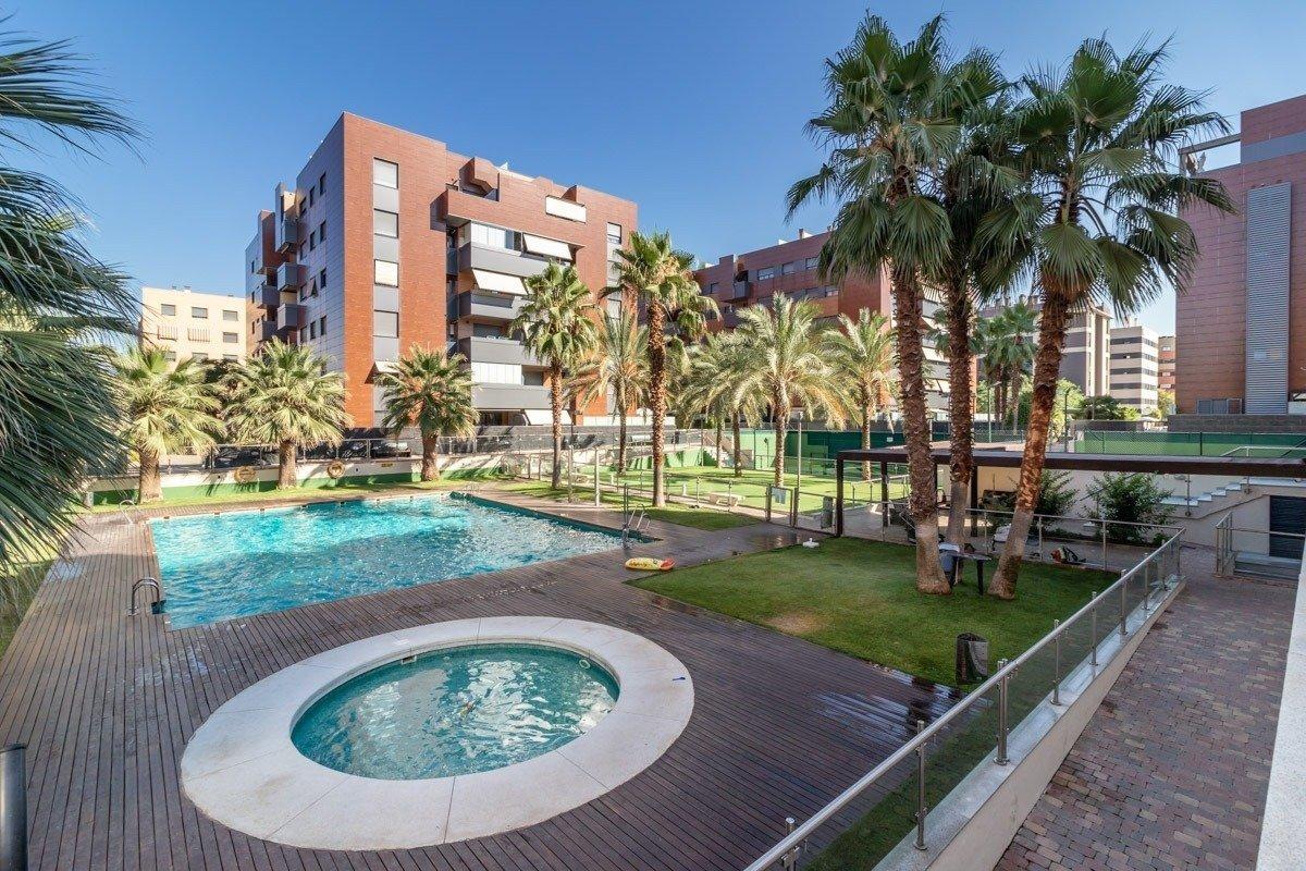 Penthouse for sale in Parque Lagos, Granada