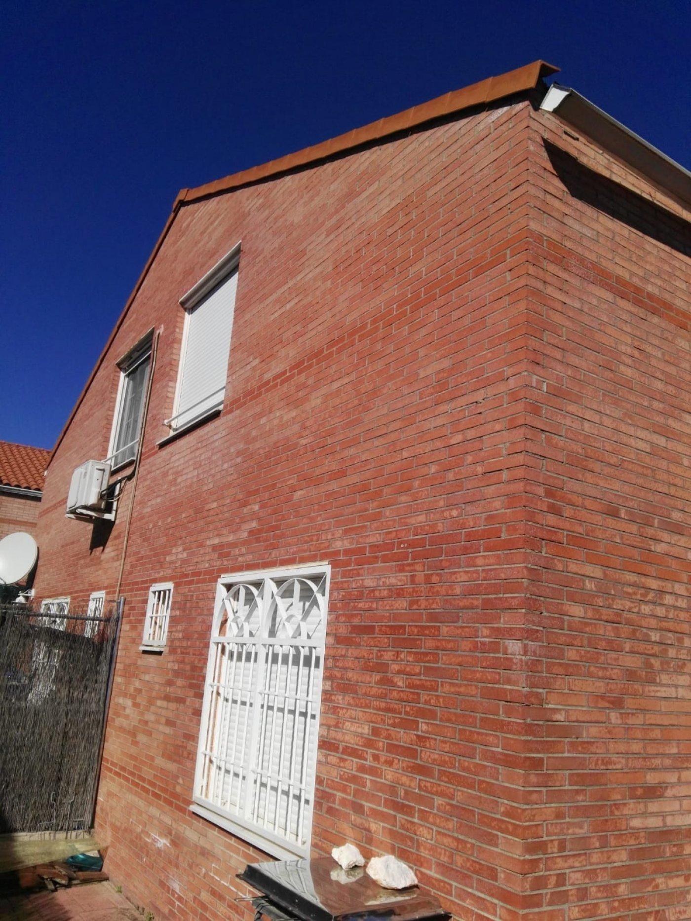 Adosado en alquiler en Valcastillo, Pioz
