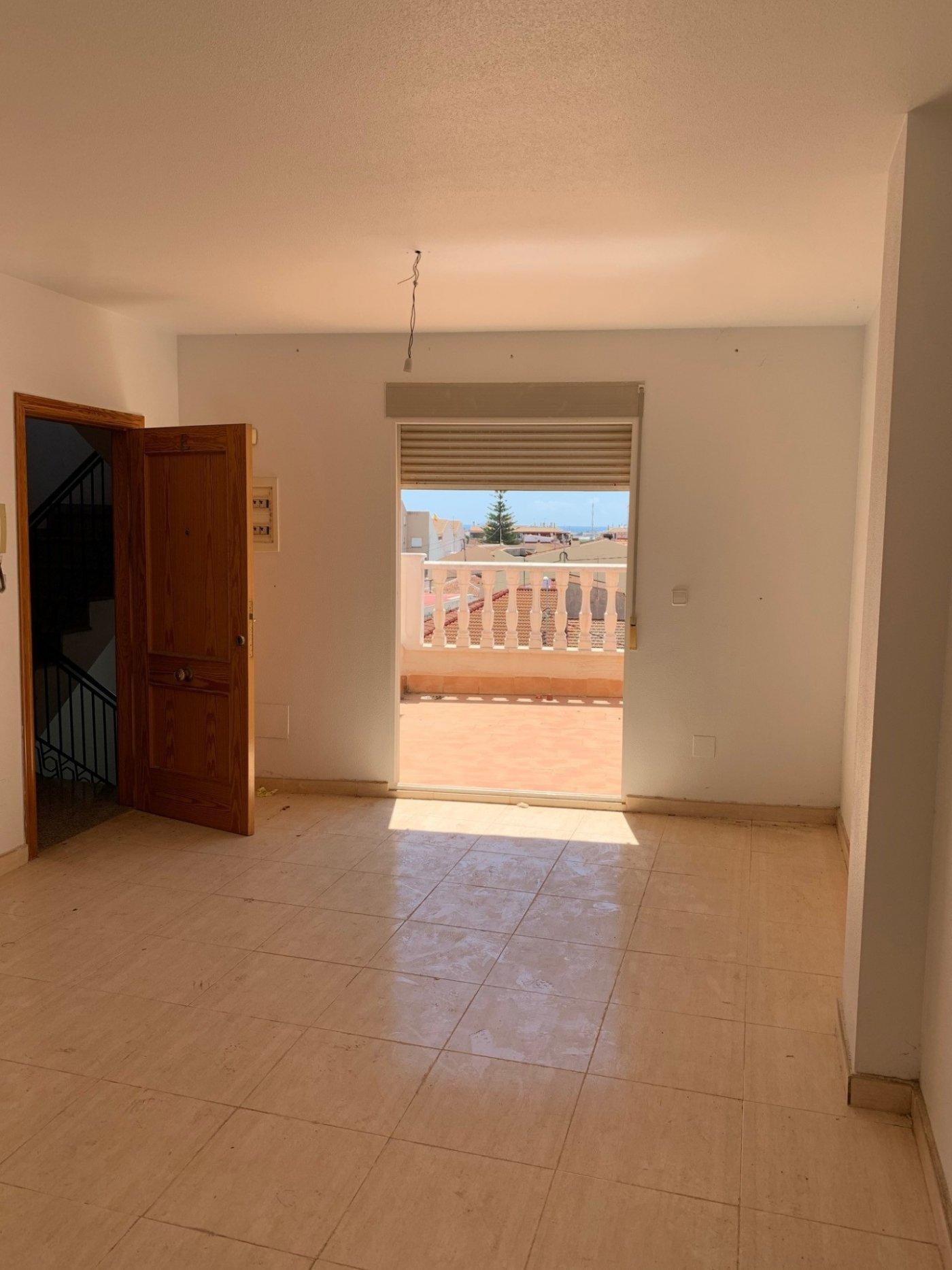 flat en pilar-de-la-horadada · pueblo 48000€