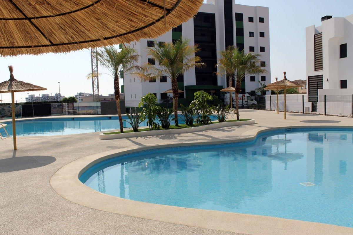 apartment en pilar-de-la-horadada · mil-palmeras 199000€