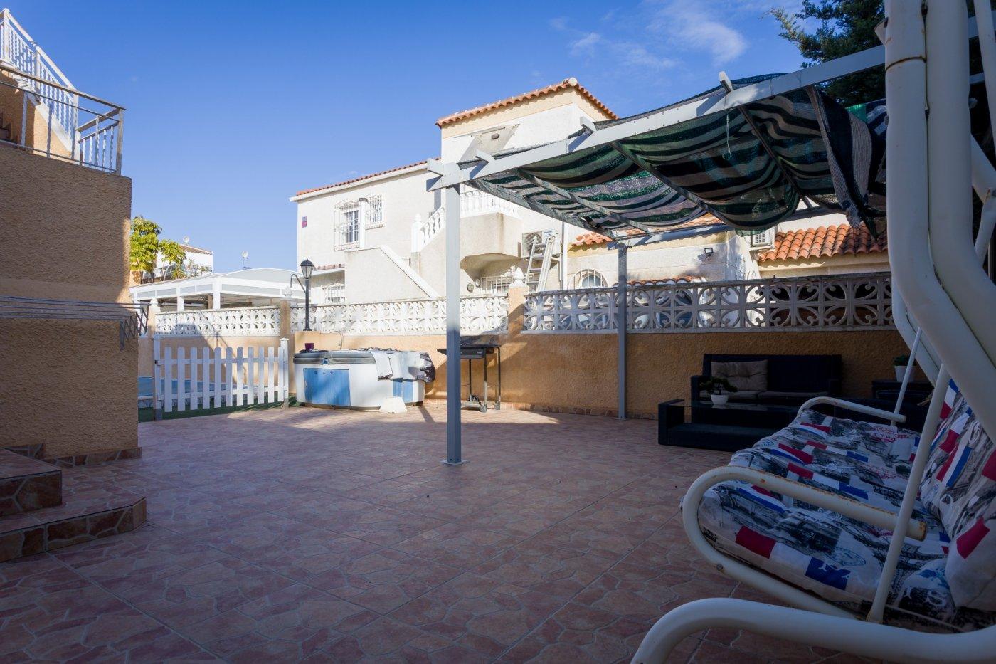 Villa · Los Alcázares · Oasis Sold€