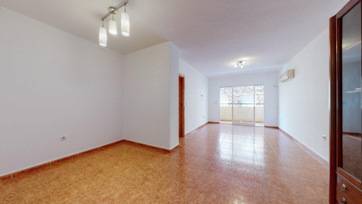 flat en pilar-de-la-horadada · pilar-de-la-horadada 79950€