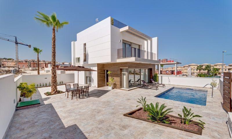Villa · San Miguel De Salinas · CENTRO 307.970€€