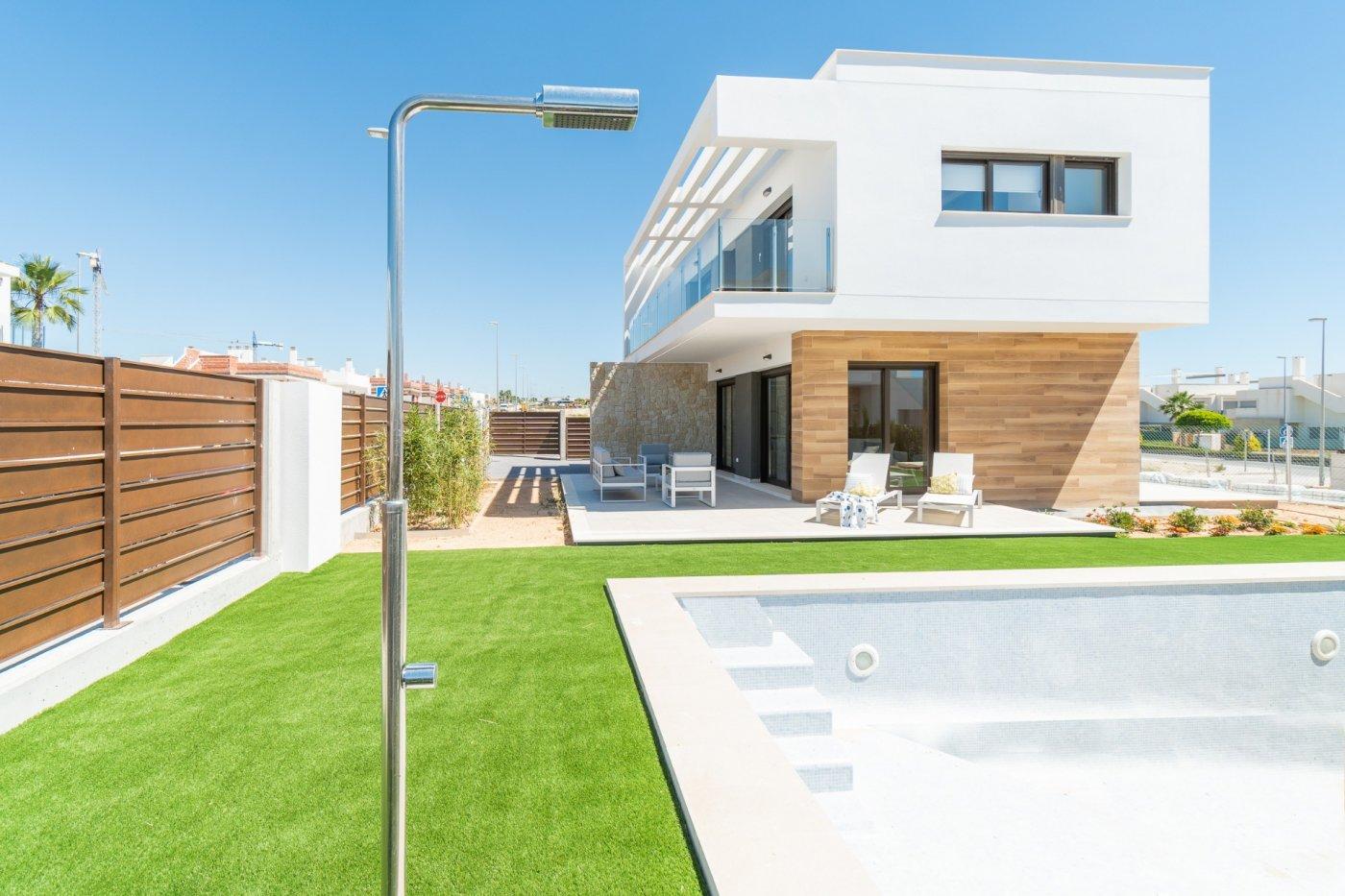 villa-de-lujo en pilar-de-la-horadada · las-mil-palmeras 389000€