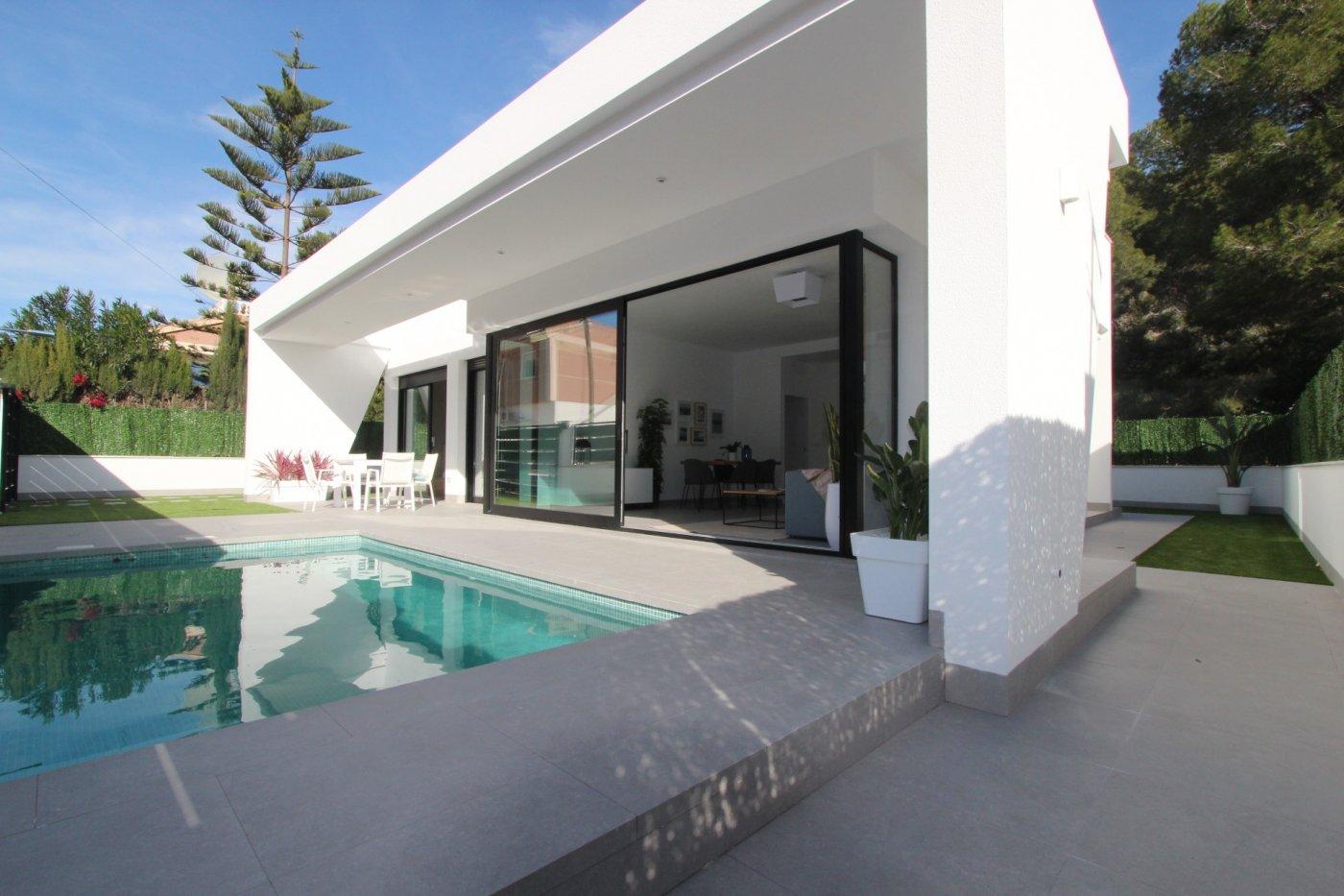 luxury-villa en pilar-de-la-horadada · pinar-de-campoverde 315000€