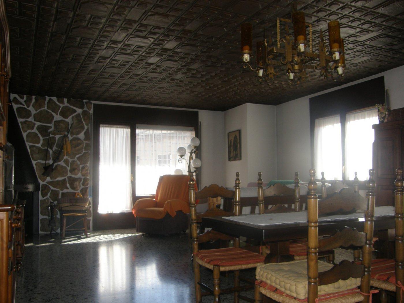 Fantástico edificio - casa en manlleu - imagenInmueble17