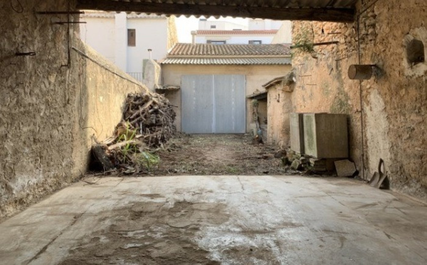 Casa almacén solar a rehabilitar en vendrell centro - imagenInmueble9