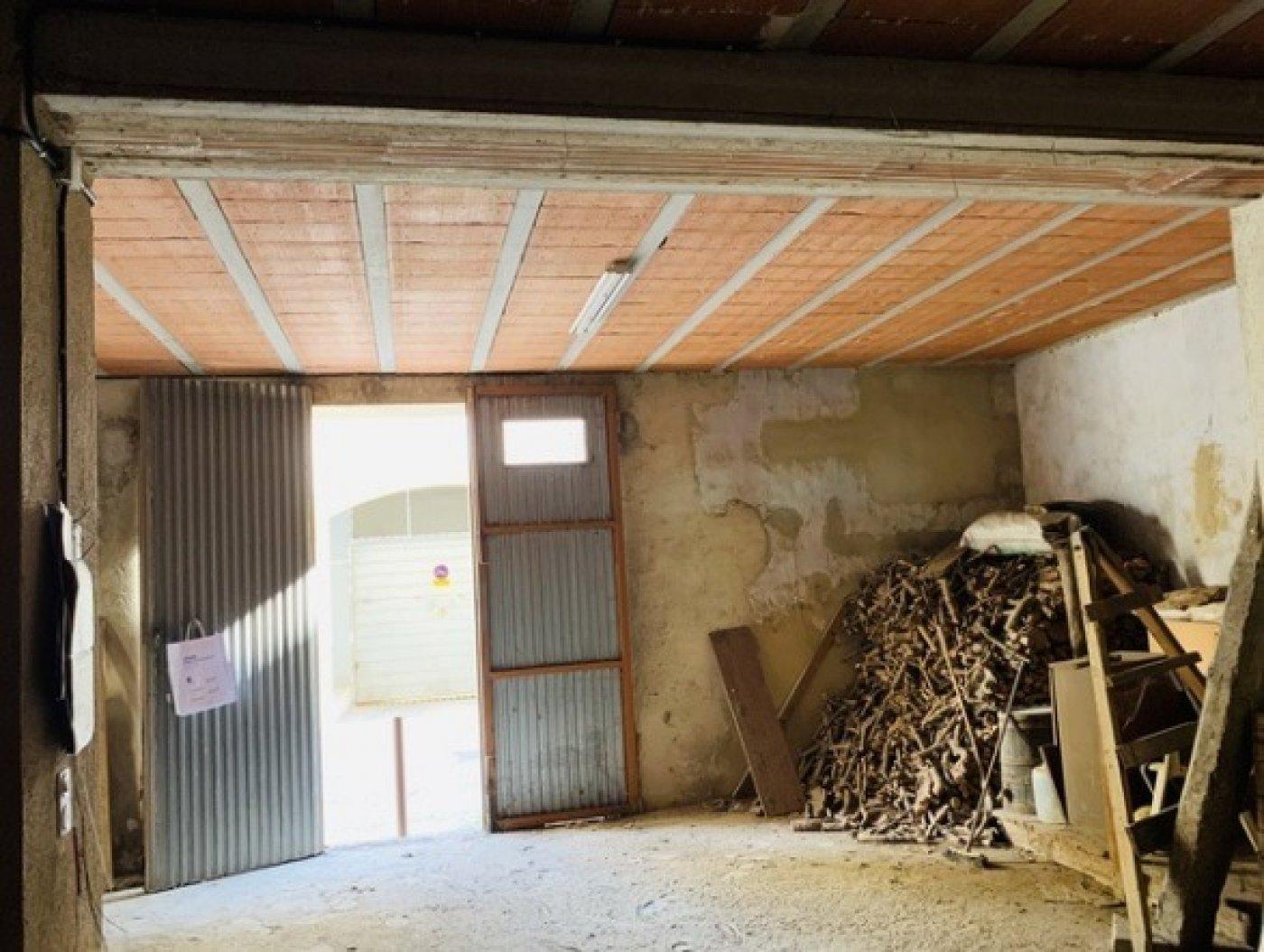 Casa almacén solar a rehabilitar en vendrell centro - imagenInmueble11