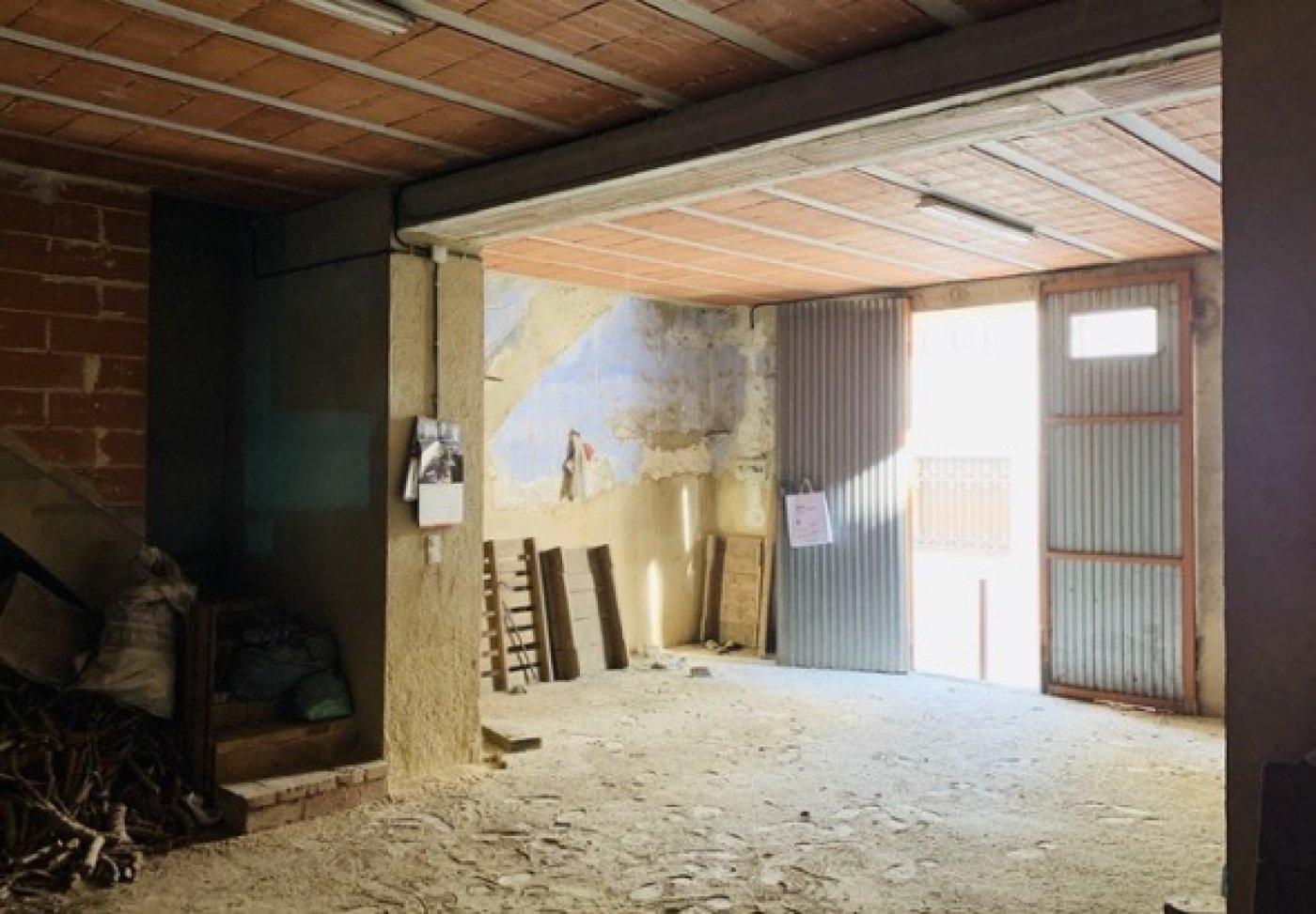 Casa almacén solar a rehabilitar en vendrell centro - imagenInmueble1
