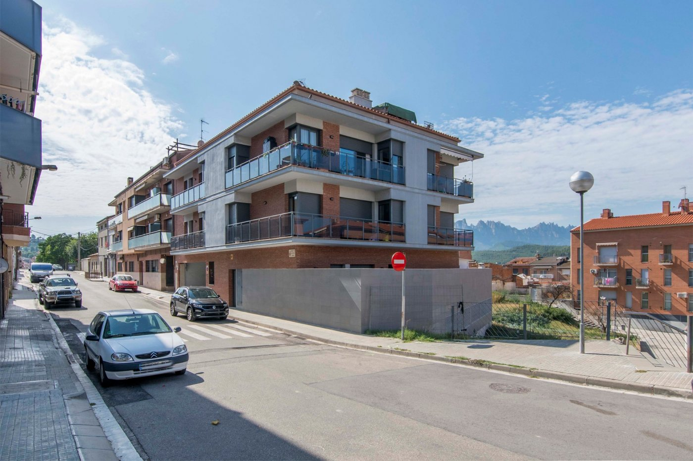 Vols la millor vista de Montserrat? Duplex a Sant Vicenç de Castellet