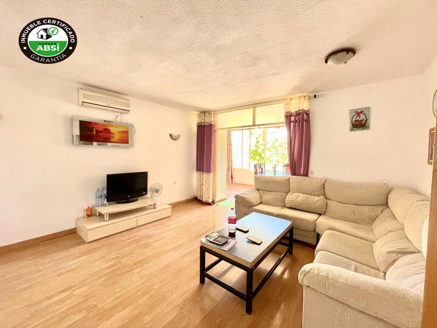 Se vende piso de dos dormitorios con piscina y parking comunitaria - imagenInmueble0