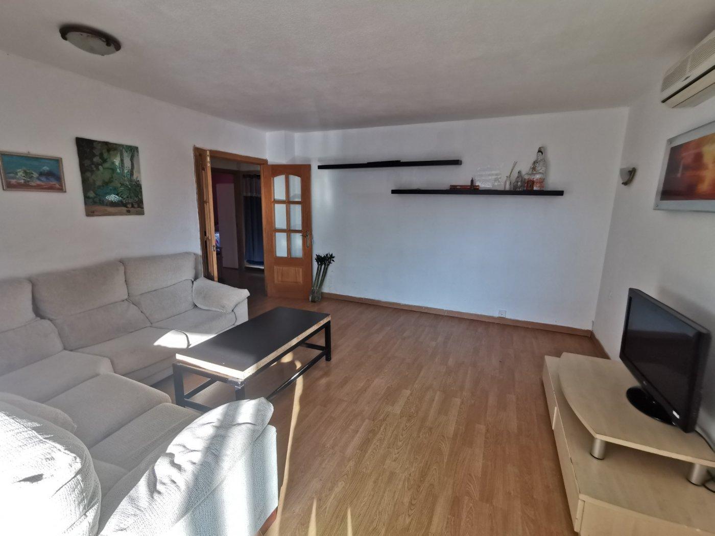 Se vende piso de dos dormitorios con piscina y parking comunitaria - imagenInmueble13