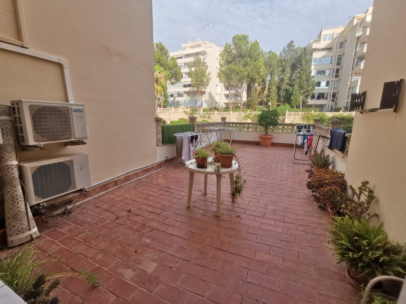 Se vende piso de dos dormitorios con piscina y parking comunitaria - imagenInmueble15