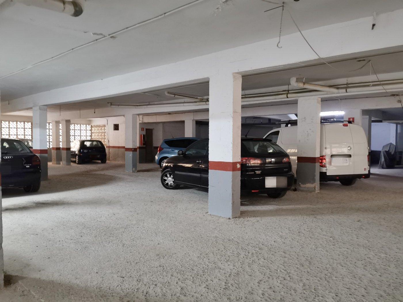 Se vende piso de dos dormitorios con piscina y parking comunitaria - imagenInmueble17
