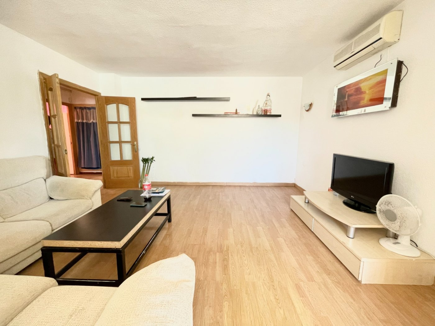 Se vende piso de dos dormitorios con piscina y parking comunitaria - imagenInmueble1