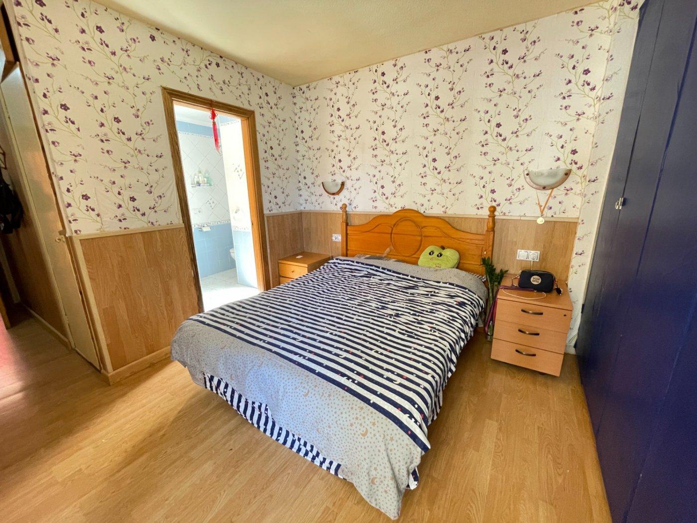 Se vende piso de dos dormitorios con piscina y parking comunitaria - imagenInmueble8