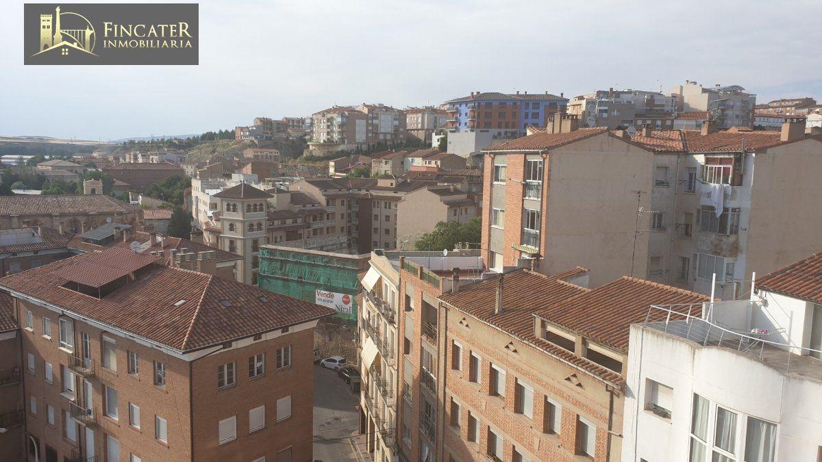 Piso en venta en Franciscanos, Teruel