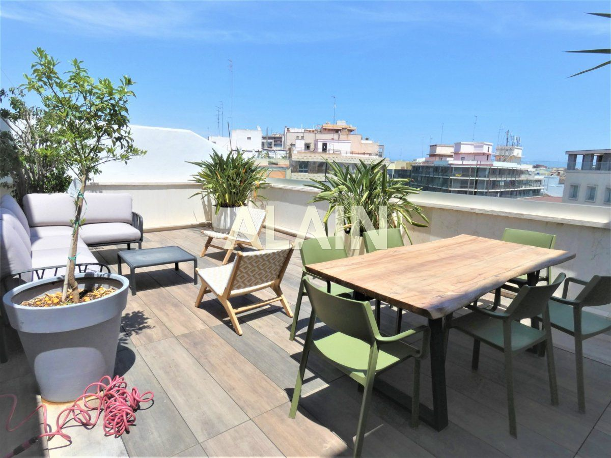 Penthouse for rent in El Pla del Remei, Valencia