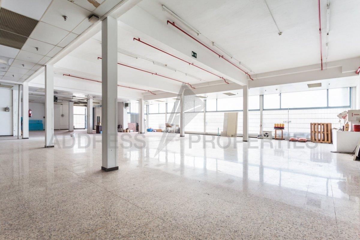 local-comercial en barcelona · les-corts 9000€