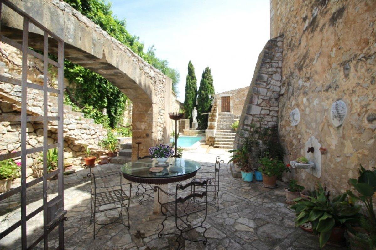 village-house en lloseta · afueras 1350000€
