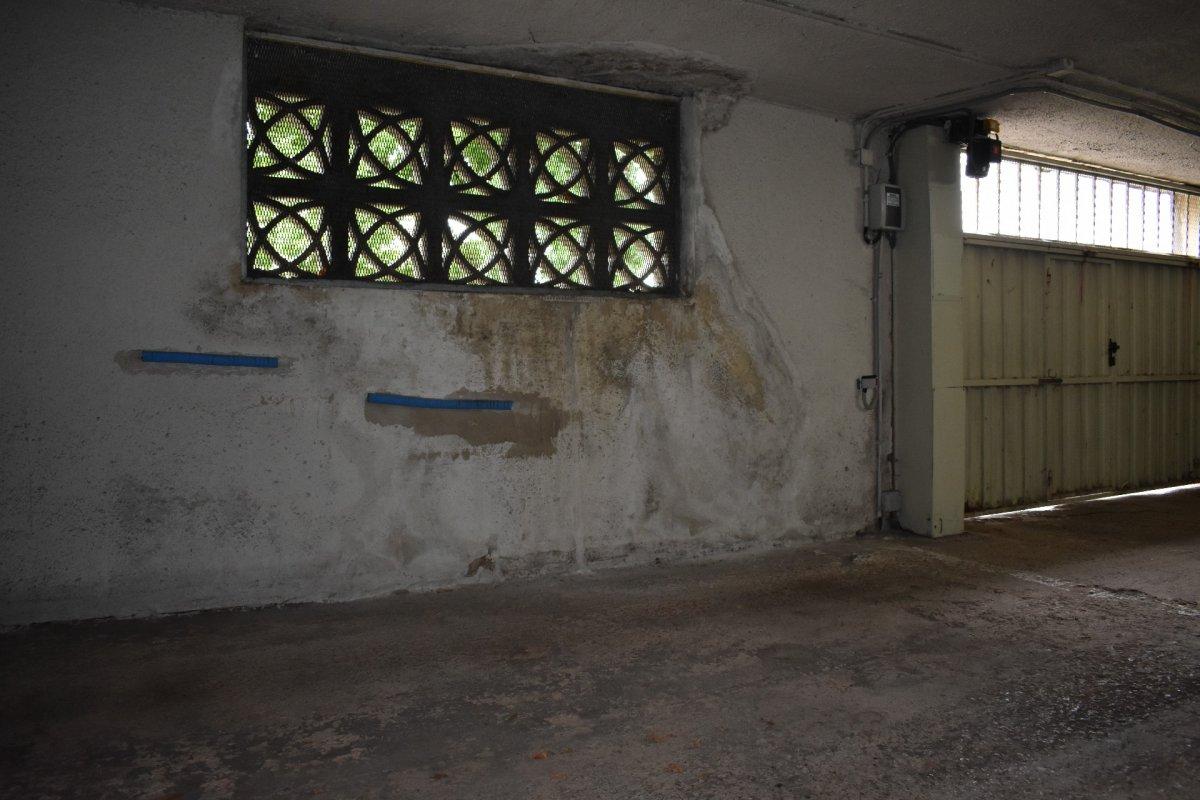 Garaje en venta en Camargo  de 21 m2 por 12.700 €.
