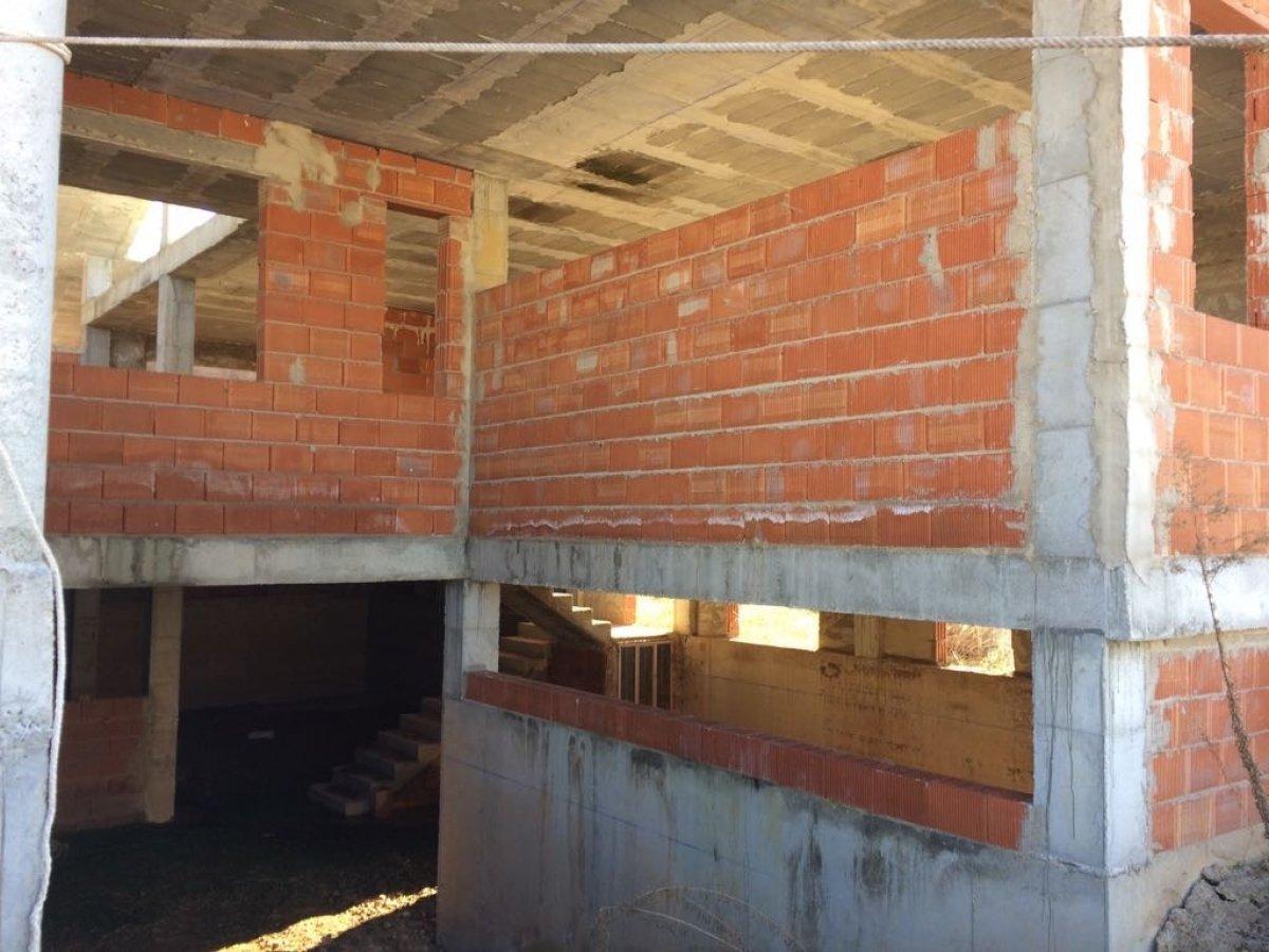 casa-con-terreno en albacete · la-felipa 120000€