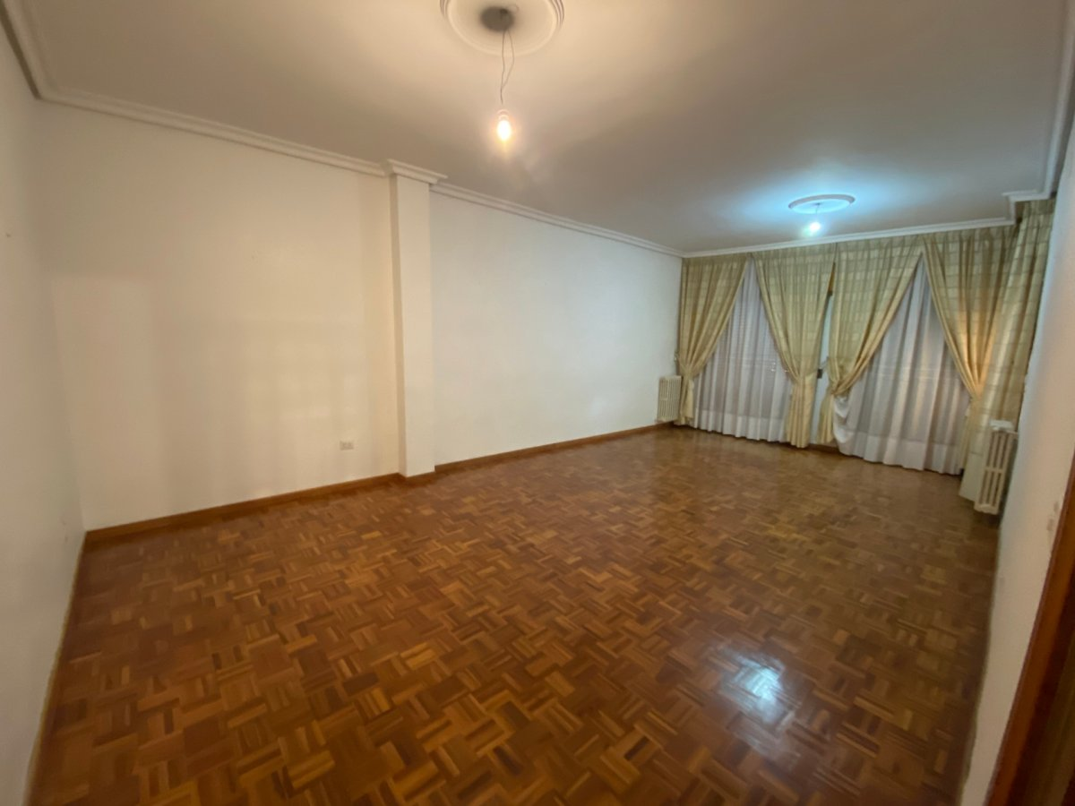 piso en la-roda · plaza-mayor 78000€